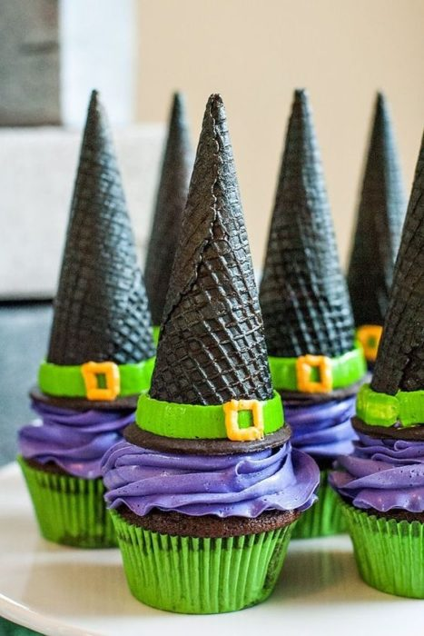 decoracion-casa-para-halloween-magdalenas-brujas