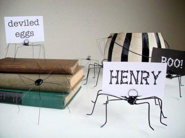 decoracion-halloween-originales-disenos-tarantulas-alambre