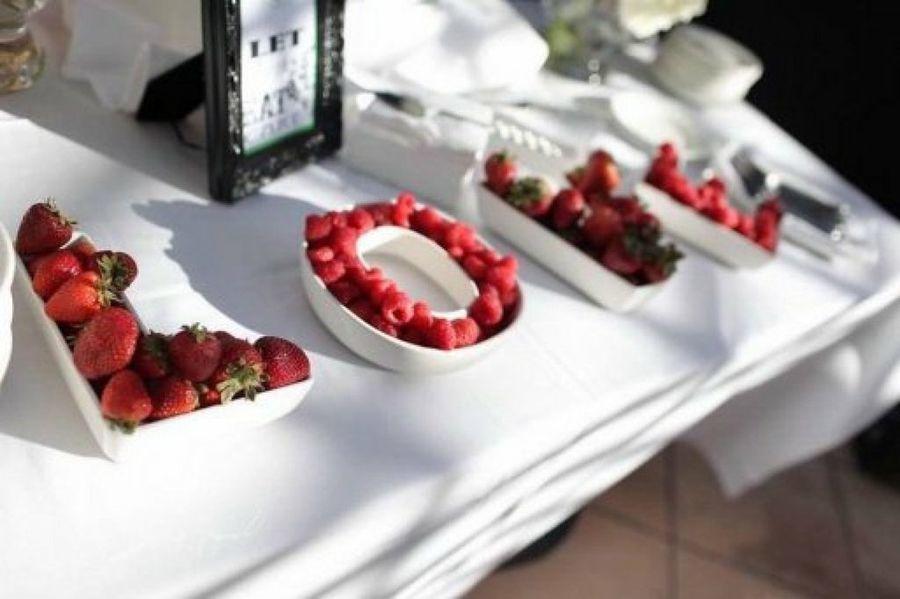 decoracion-san-valentin-para-la-mesa-fresa