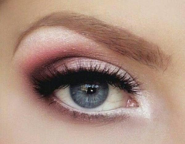 maquillaje-san-valentin-delineado-gatuno