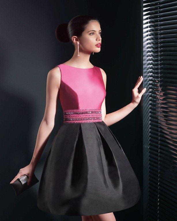 Vestidos Estructurados Con Volumen De Color Rosa VESTIDOS CORTOS DE