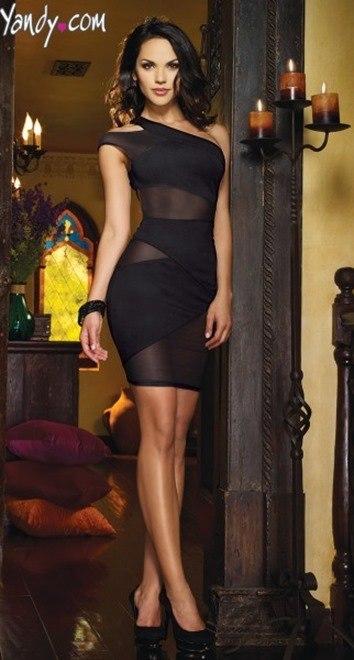 vestido negro sexy