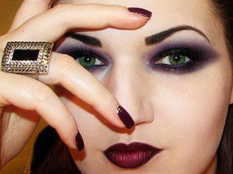 gothic-makeup-ideas_24