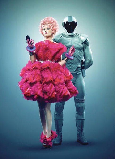 Elizabeth Banks y de Alexander MacQueen