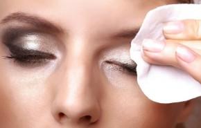 ¿Toallitas desmaquilladoras o limpiador facial?