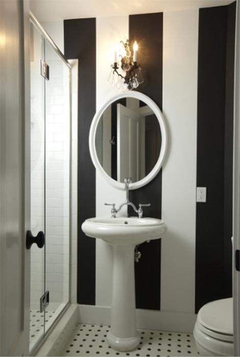 baños-pequeños-con-encanto-blanco-y-negro