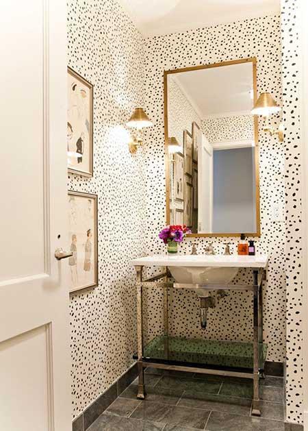 baños-pequeños-decoracion-papel-pintado