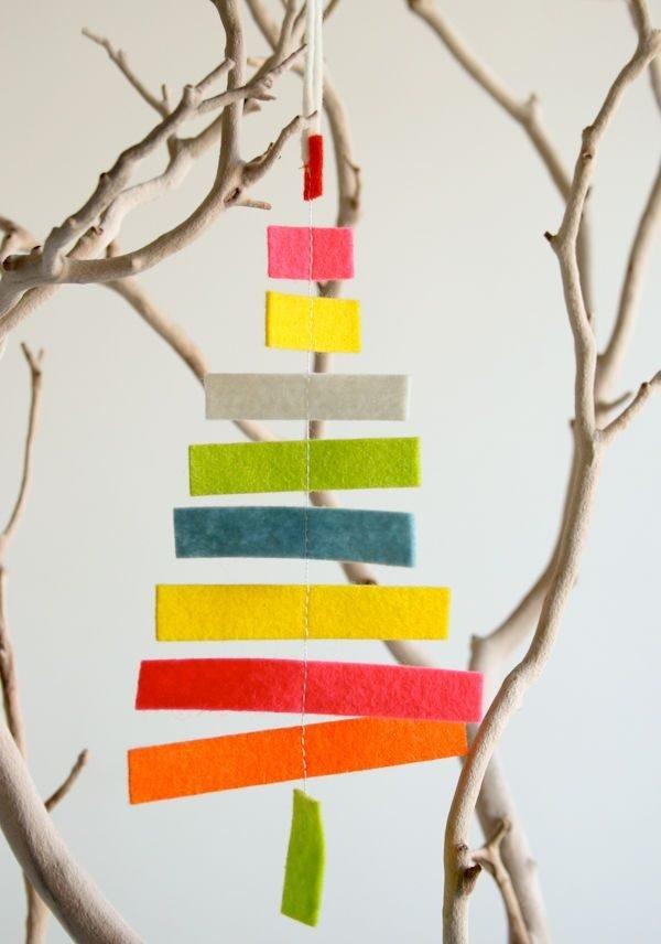 arbol-de-navidad-reciclado-con-trozos-de-tela