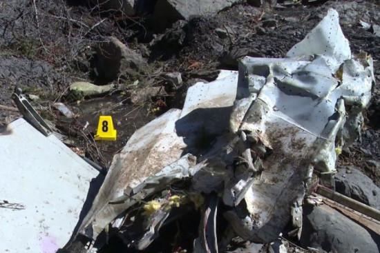 las-10-imagenes-mas-aterradoras-de-la-tragedia-del-germanwings-restos-del-avion