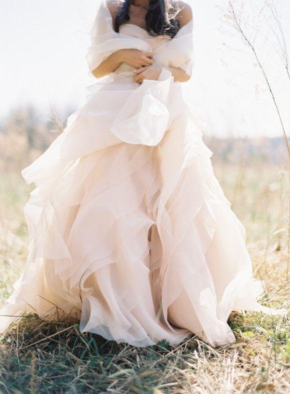 vestido-de-novia-remolinado-de-weddngsparrow