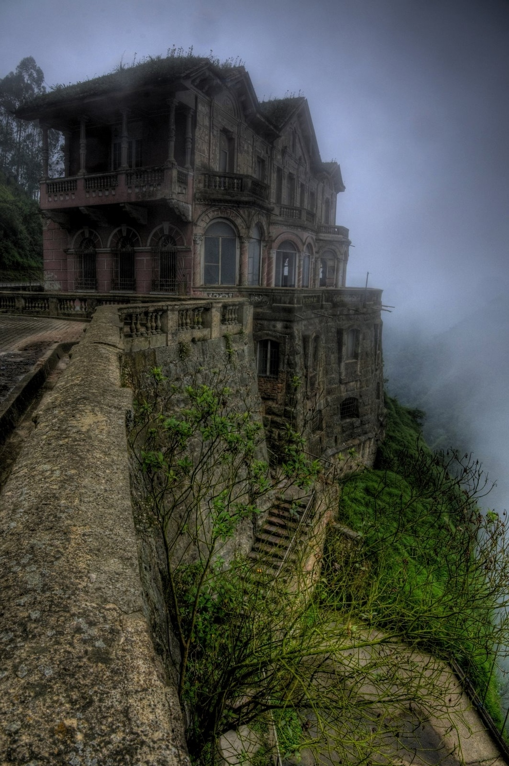 lugares abandonados Hotel del Salto en Colombia