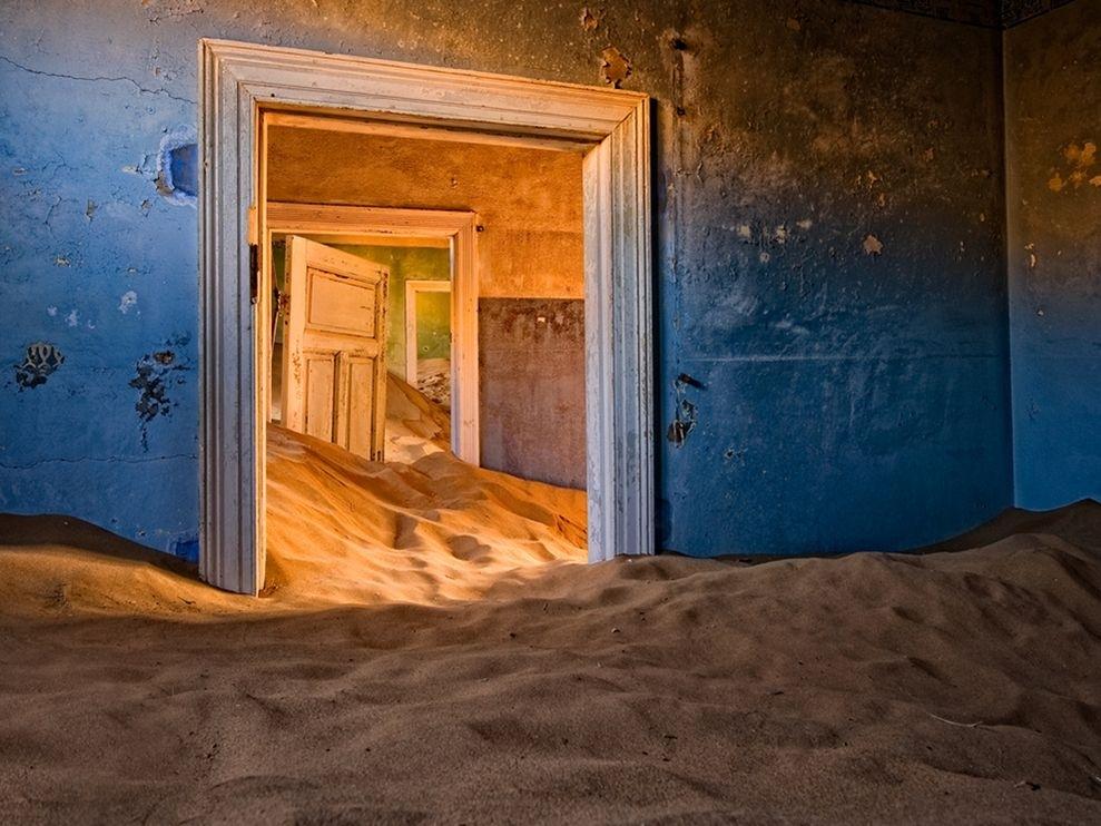 lugares hermosos abandonados Kolmanskop en el Desierto de Namib