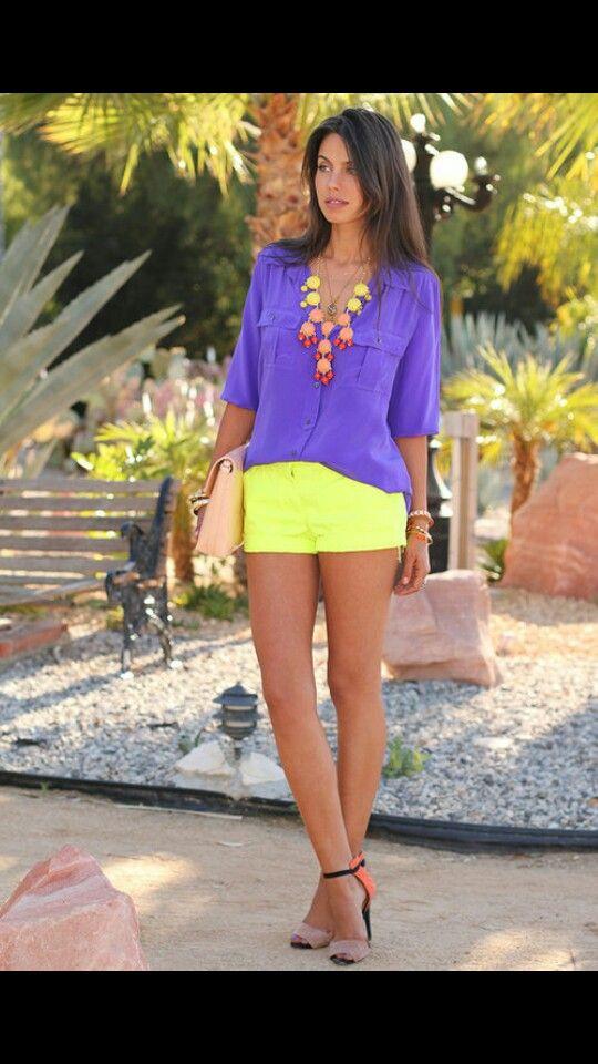 morado y amarillo ropa