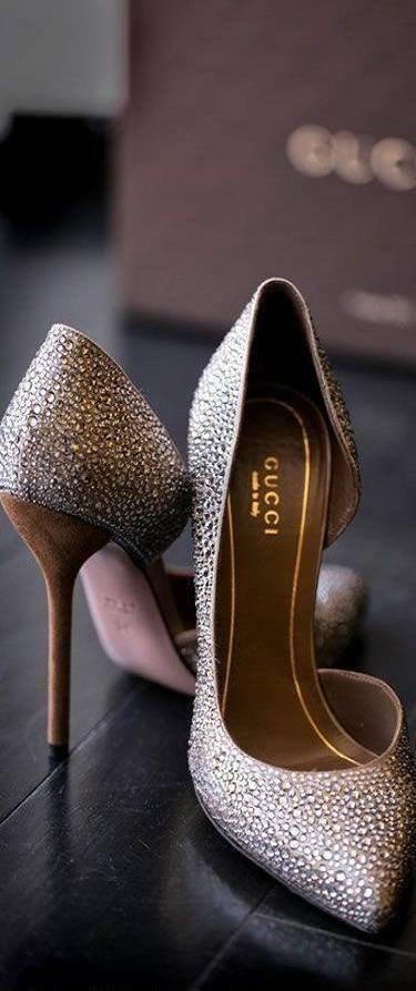 pares de zapatos mujeres