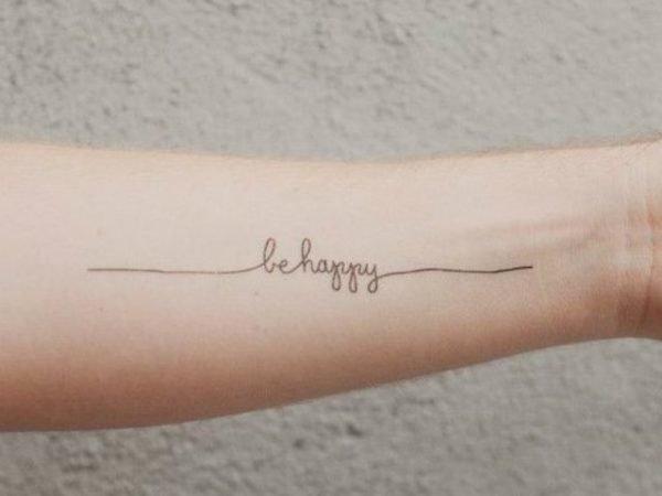 tatuajes-frases-cortas-inglés-be-happy