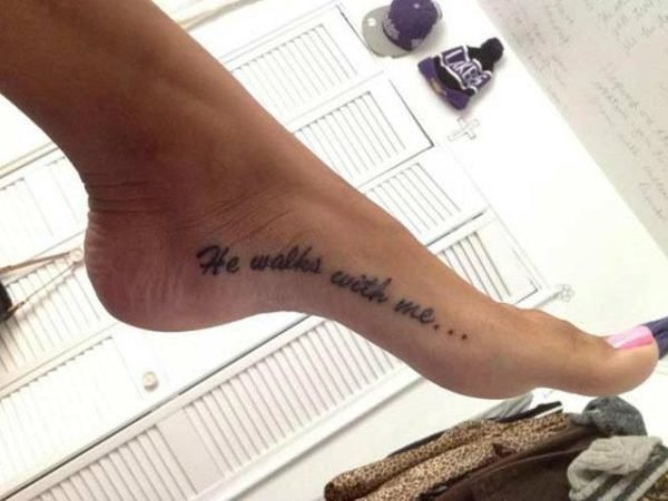 tatuajes-frases-cortas-inglés-pie
