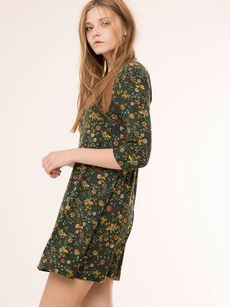 Vestido largo flores pull and bear