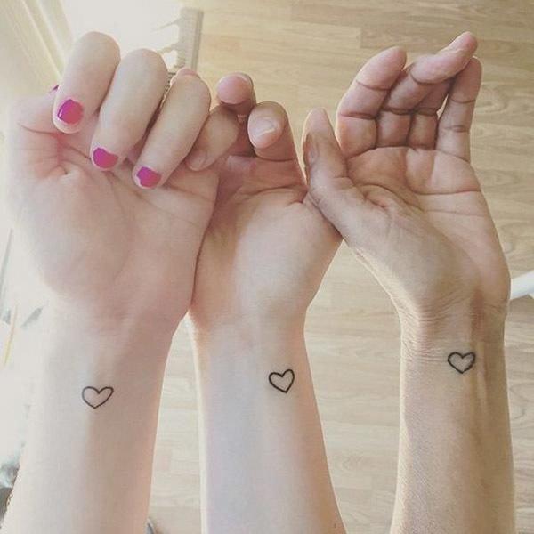tatuajes-de-corazones-en-la-muneca-amor-amigas