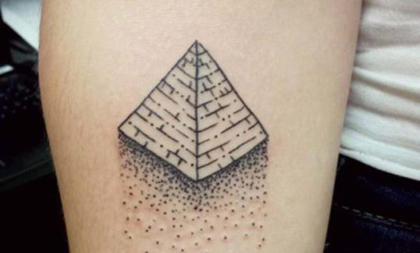 Tatuaje Pirámide