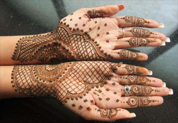 tatuajes-de-henna-manos-unas-anillo