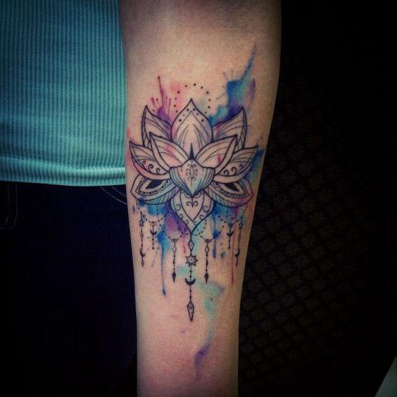 tatuaje,flor,de,loto,color
