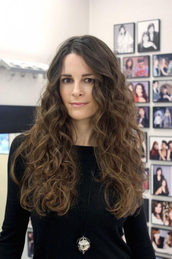Los mejores peinados para pelo rizado - Ideas para peinar cabello largo ...
