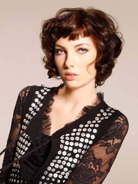 cortes-de-pelo-rizado-2016-estilo-media-melena-retro