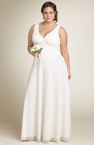 Vestidos de novia sencillos color beige para gorditas