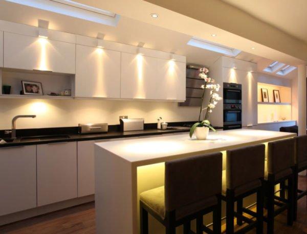 cocinas-pequenas-modernas-iluminacion