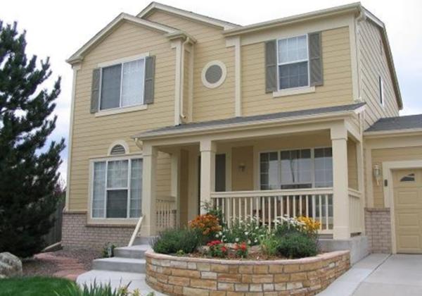 Los colores para casas con estilo en 2017 for Fachadas casas color arena