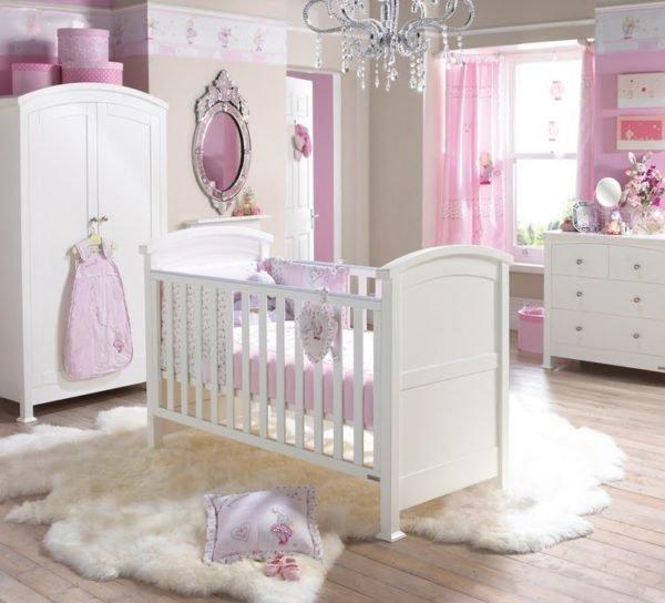 colores-para-cuartos-de-bebes-recien-nacidos-lila-blanco-2