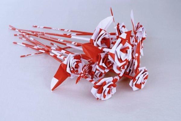 Como hacer rosas de papel para regalar