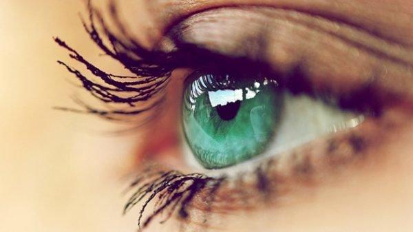 como-maquillar-ojos-verdes-primer-ojo