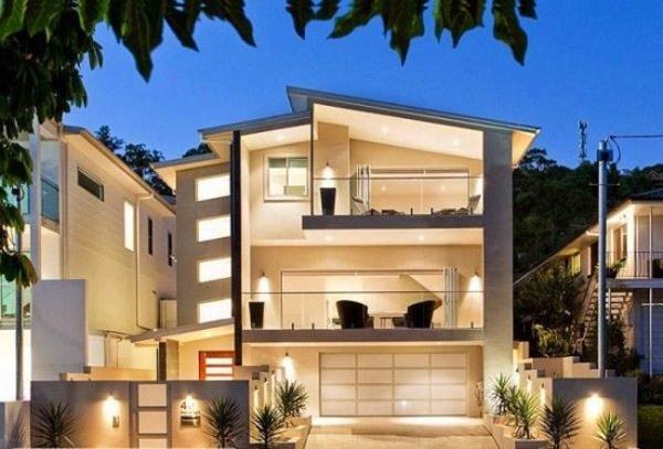 fachadas-de-las-casas-más-bonitas-y-modernas-casa-tres-pisos-con-balcon