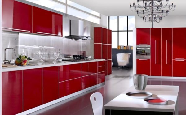 ideas-combinar-los-colores-la-cocina-cocina-blanca-roja-lacada