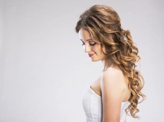 ideas-de-peinados-para-novias-semirecogidos