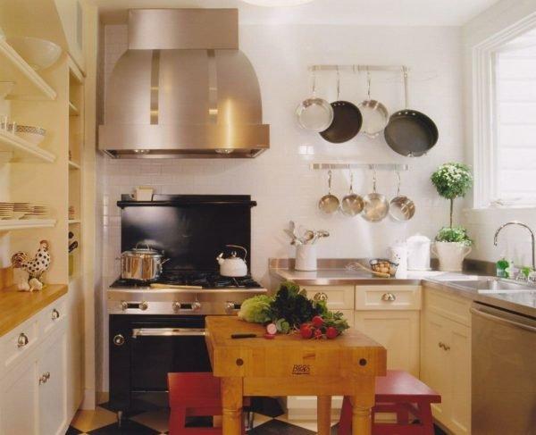 mas-50-fotos-cocinas-pequenas-modernas-2016-cocina-madera-campana-metalizada