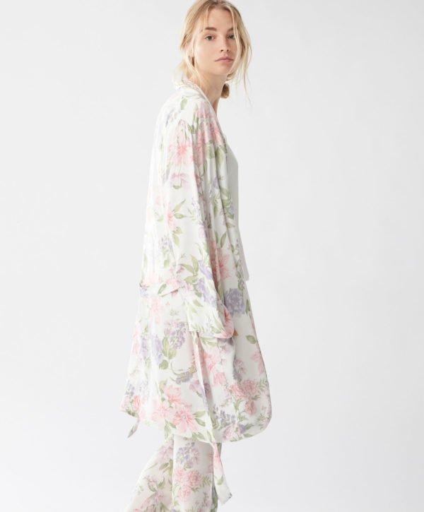 oysho-pijamas-otono-invierno-2017-batas-flores