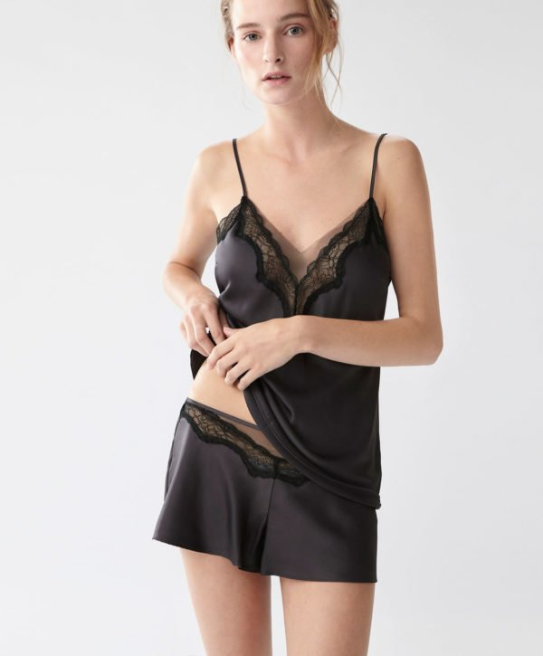 oysho-pijamas-otono-invierno-2017-lenceros-negro