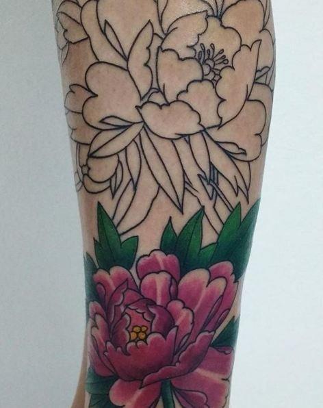 Los Tatuajes De Flores Tipos Y Significados Tendenziascom