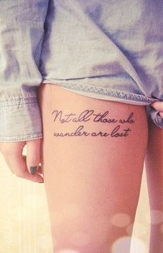 tatuajes-mujer-frase-pierna