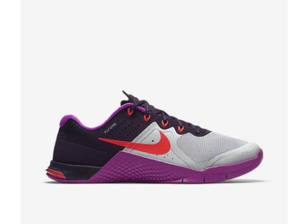 catalogo-ropa-deportiva-mujer-nike-verano-2016-zapatillas
