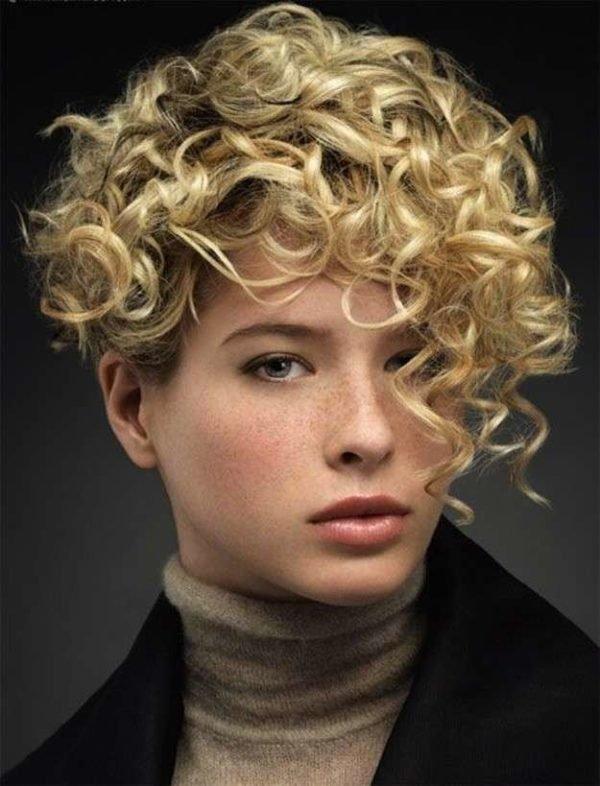 cortes-de-pelo-asimetrico-2016-con-rizos