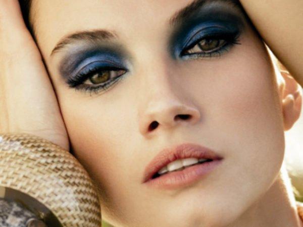 maquillaje-ojos-negros-maquillaje-de-noche-azules