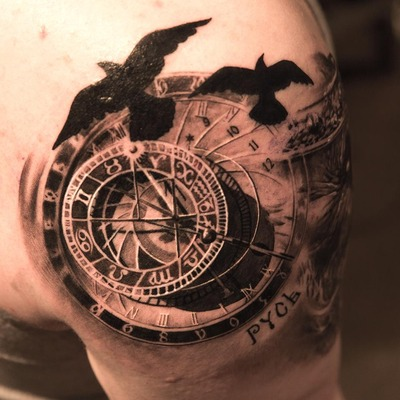 tatuajes-brazo-realismo-horoscopo-cuervos
