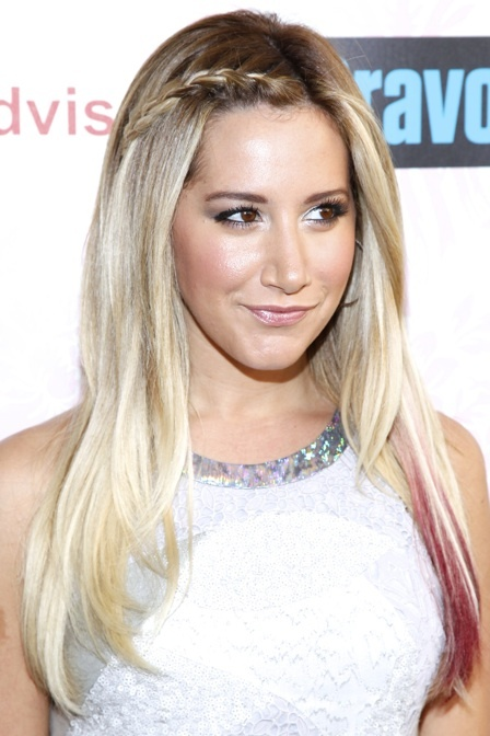 peinados-con-trenzas-mini-trenza-de-raiz-ashley-tisdale