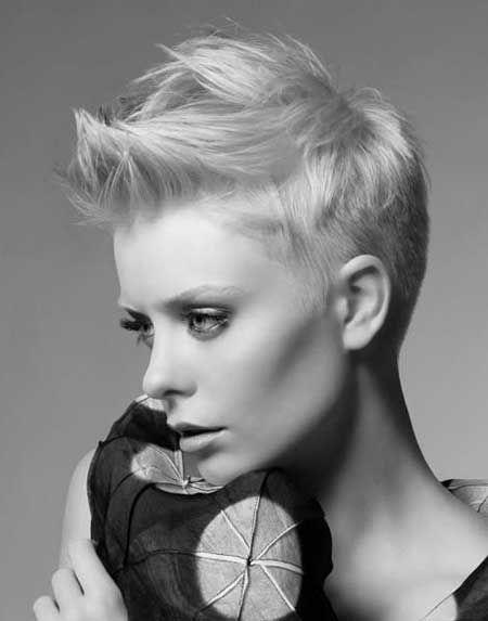 peinados-de-mujer-pelo-corto-spiky-blanco-y-negro
