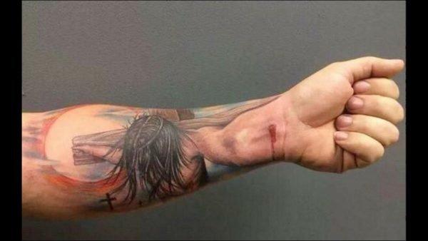 tatuajes-brazo-antebrazo-cristo