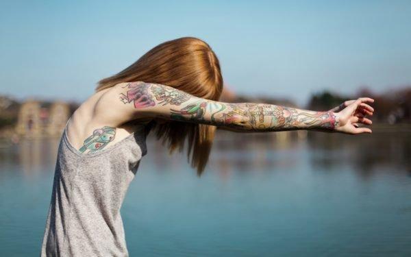 tatuajes-brazo-entero-chica