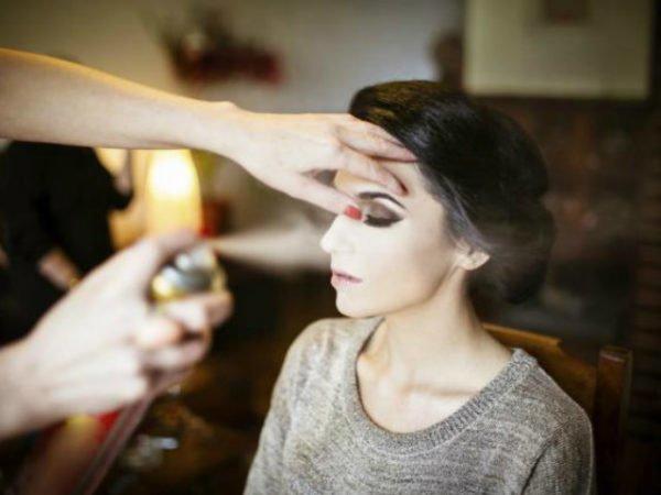 trucos-de-maquillaje-para-estar-perfecta-fijar-el-maquillaje
